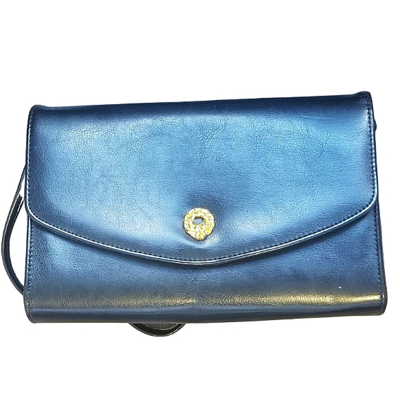 VINTAGE / Black Leather Made in Canada Purse